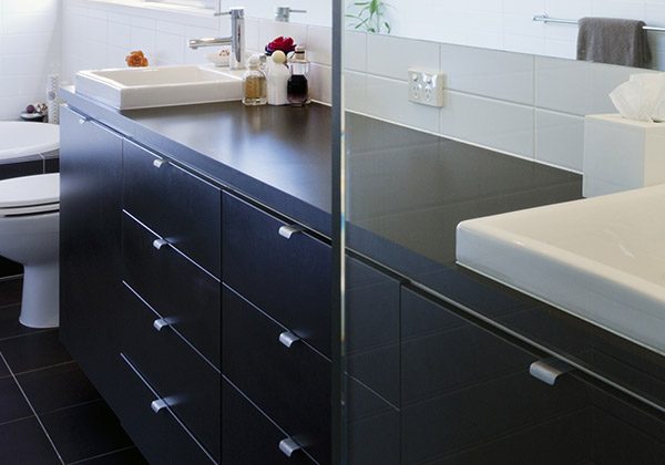 Showroom Badkamer Meubels : Badkamermeubels en spiegelkasten plaatsen rondom tilburg